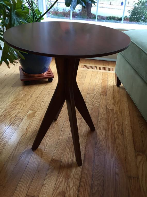 antique cherry pedestal table